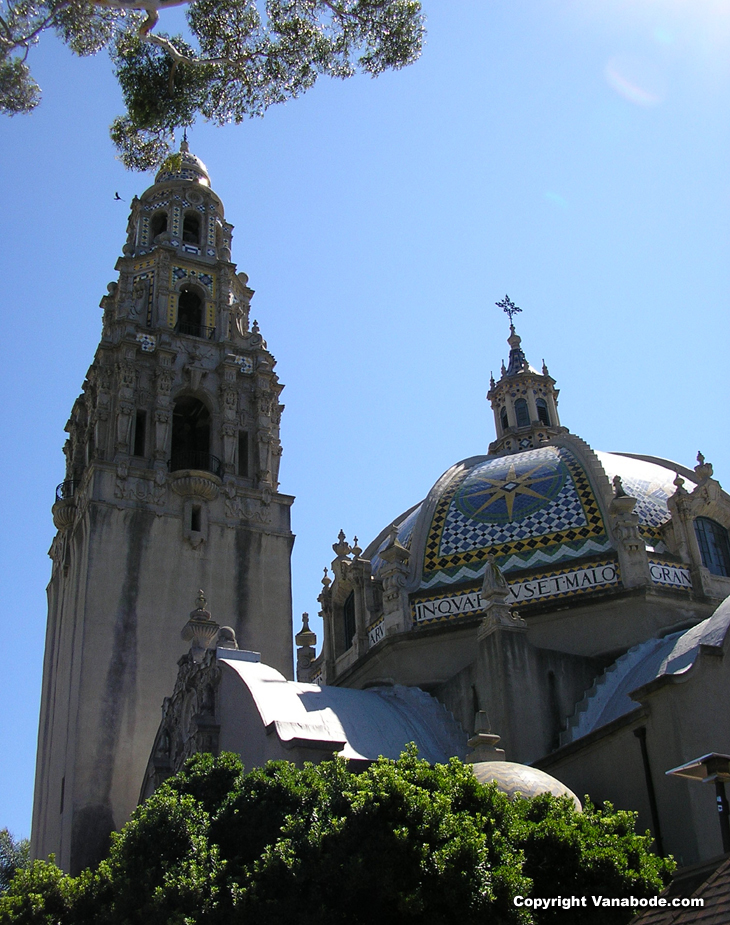 picture of spanish colonial style buildings in balboa park