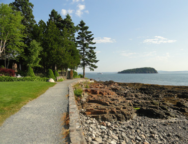picture along shore path in bar harbor maine