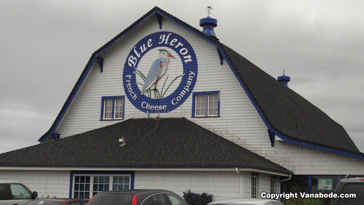 picture at blue heron cheese factory in tillamook oregon