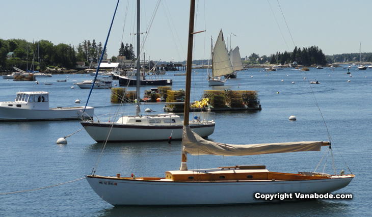 maine boothbay harbor boats picture