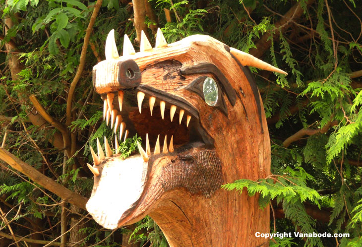 picture of road side sculpture going to cape flattery