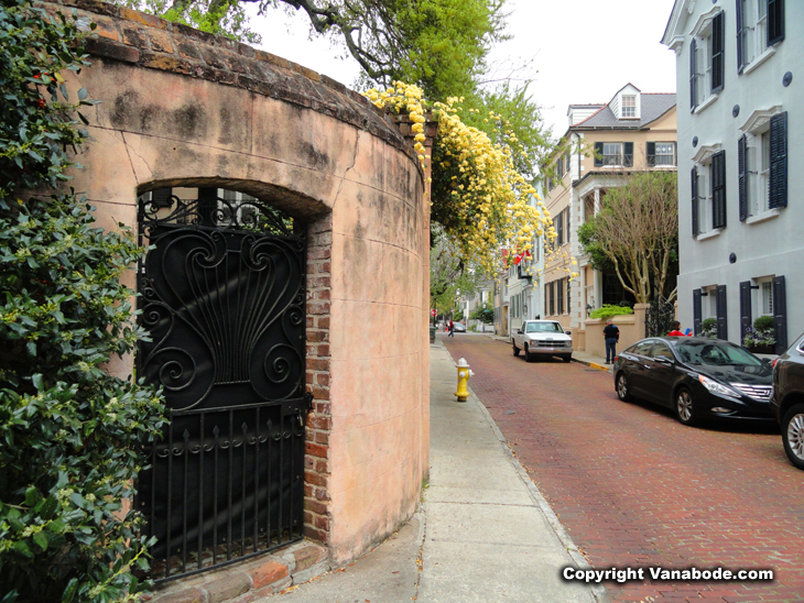 Charleston South Carolina battery district street