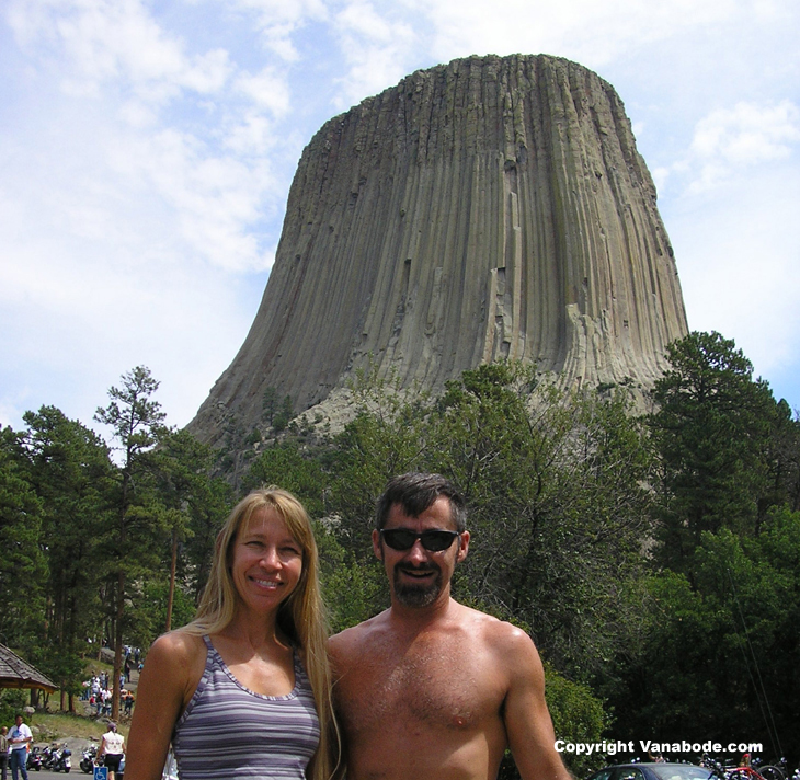 picture of devil's tower in wyoming