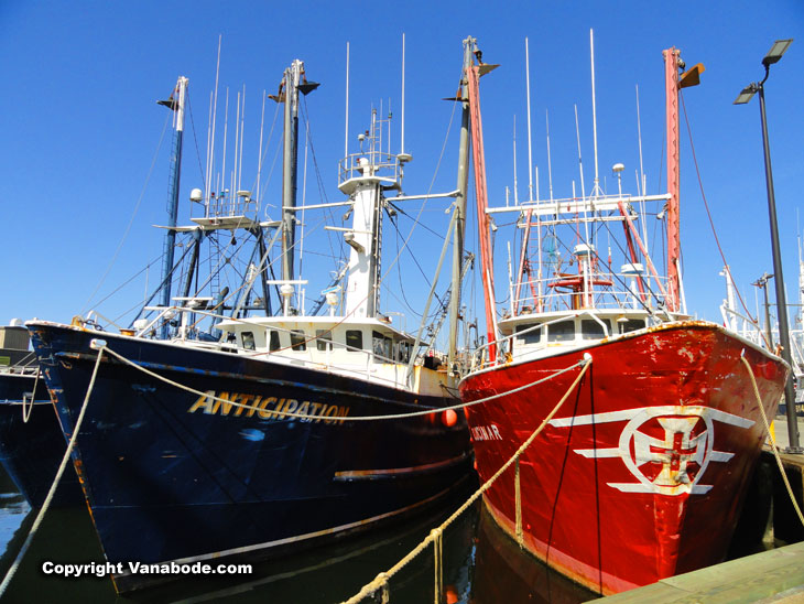 large fishing boats in the new bedford wharf