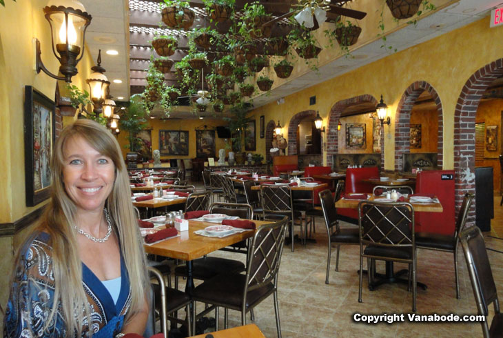picture from inside umbertos italian restaurant in fort lauderdale