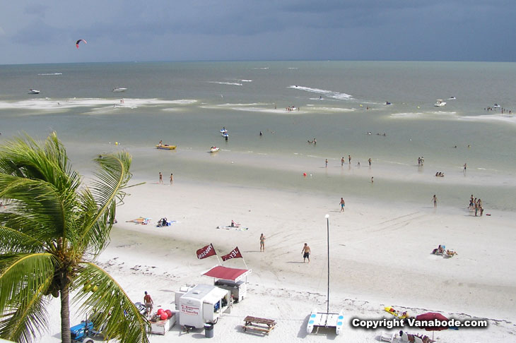 picture of fort myers beach sandbar