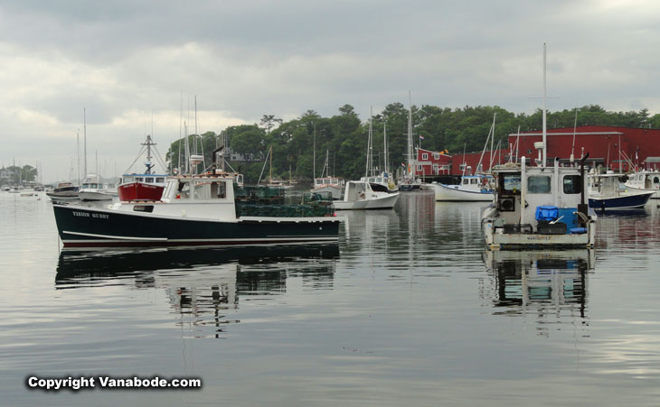 marinas around fort sewell