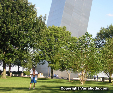 Picture of Jason at foot of Gateway Arch