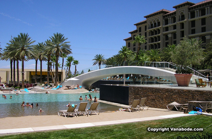 picture of pool at green valley ranch las vegas