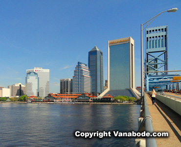 jacksonville city florida bridge beach walk on  a vanabode trip