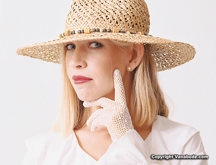 woman in hat model picture