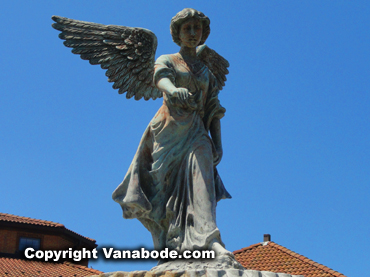 lake geneva wisconsin sculpture girl with wings