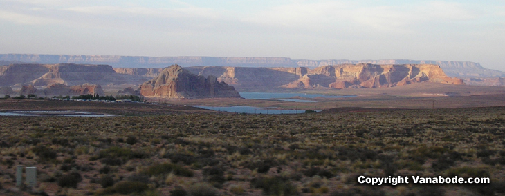 picture of landscape of lake powell utah