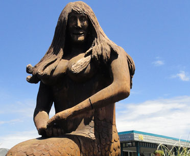 mermaid sculpture in long beach washington picture