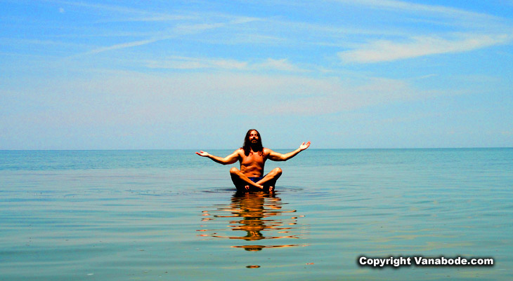 Vanabode Author goofing off on Lake Erie