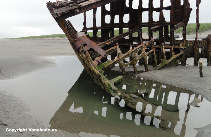 wrecked ship on oregon coast picture