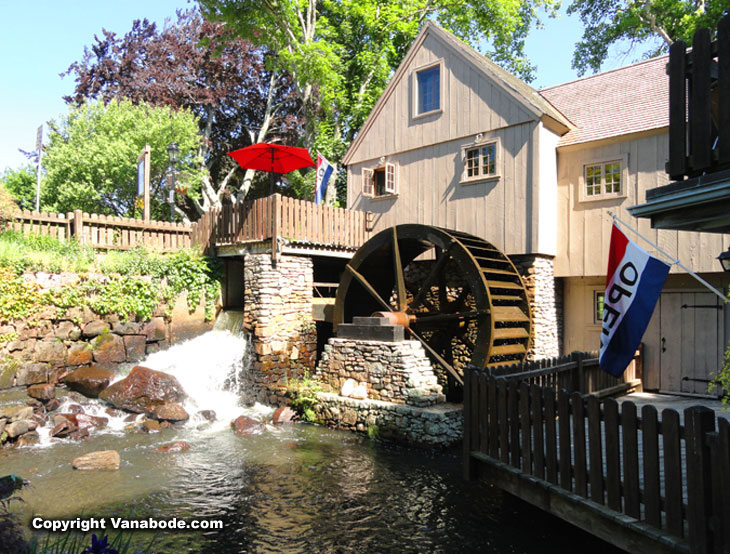 plymouth grist mill and gift shops