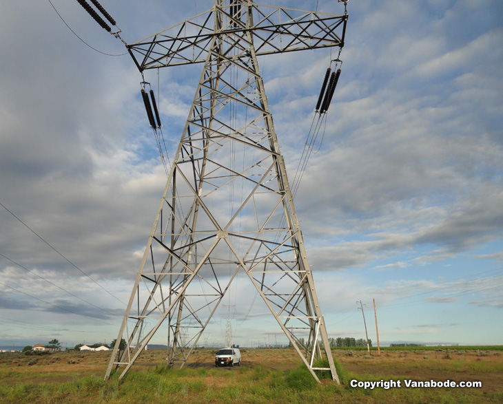 prosser oregon powerlines provide a handy place to spend the night for free on a  Vanabode trip
