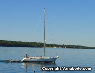 rockland maine sailboat off the breakwater