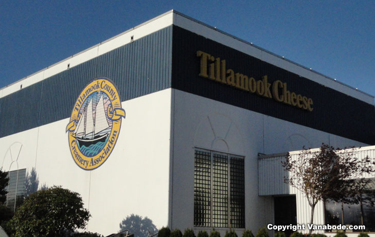 picture of tillamook cheese factory in oregon