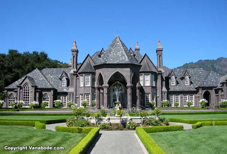 Wineries are spectacular through this area and visiting is free Sonoma California